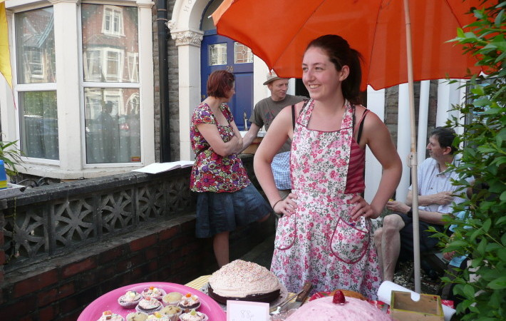 Cakes on sale by the slice! Beka Haigh hosts in 88cakes.